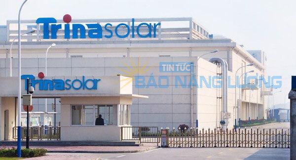 nhà máy sản xuất tấm pin năng lượng mặt trời