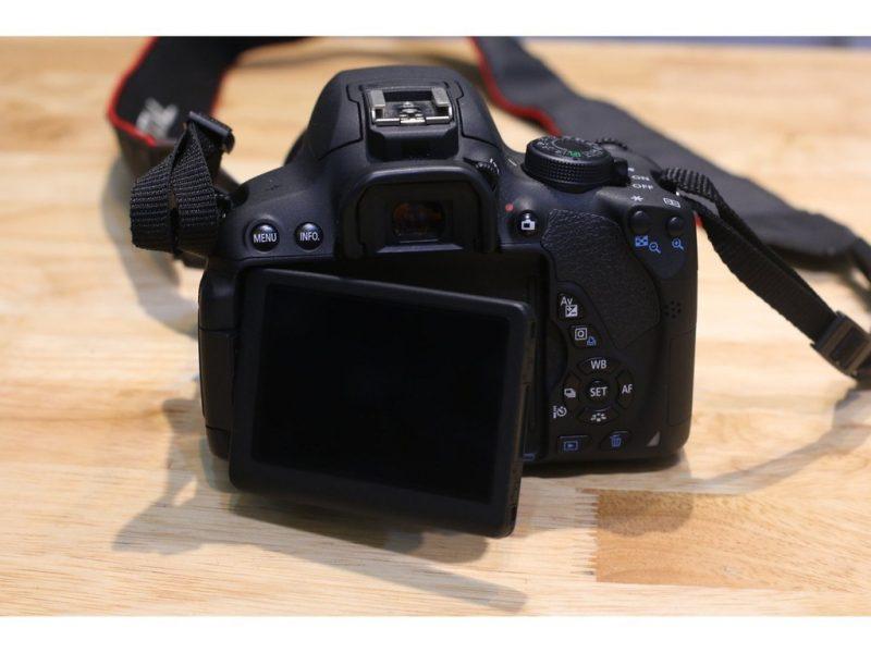 Máy ảnh Canon 700D lens 18-55 IS STM