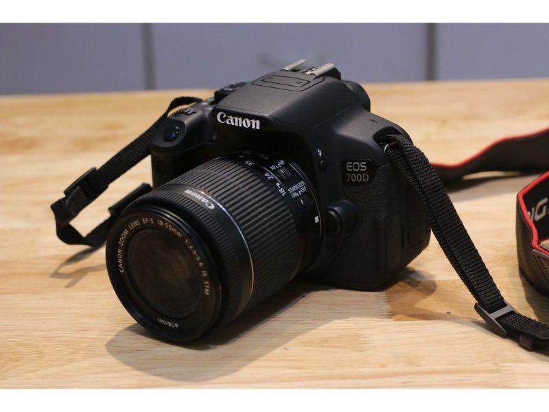 Máy ảnh Canon 700D lens 18-55 IS ST