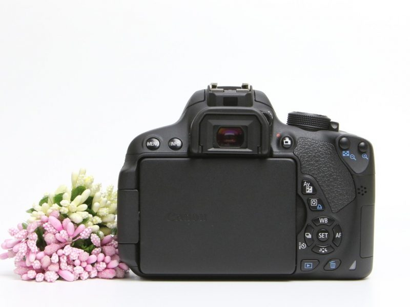 may-anh-dslr-canon-eos-700d-kit-18-55-is-stm